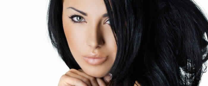 Coloration cheveux noire pour qui coloration cheveux - Couleur noir bleute ...